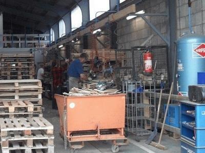 Werkplaats voor reparatie van pallets
